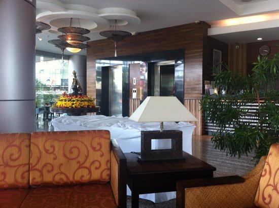 Citi Park Hotel:                   LOBBY
