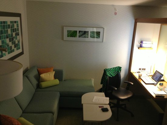SpringHill Suites Indianapolis Downtown:                   Work / play space