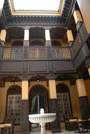 La Sultana Marrakech :                   side courtyard
