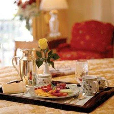 Hotel Künstleralm: Room service