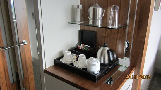 Holiday Inn Johannesburg-Rosebank: Tea/Coffee making