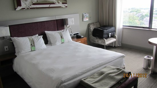 Holiday Inn Johannesburg-Rosebank: Bed