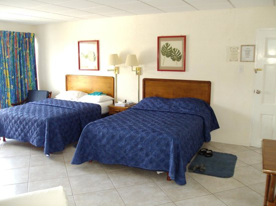 Southern Surf Beach Apartments: Two Double Beds