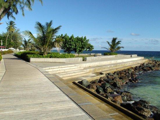 Southern Surf Beach Apartments: Boardwalk Along The Sea