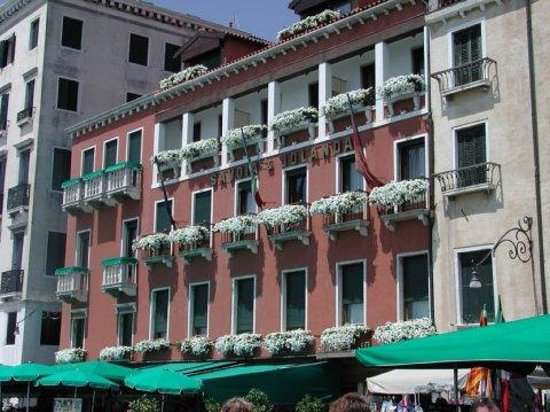 Savoia & Jolanda Hotel:                   Front View
