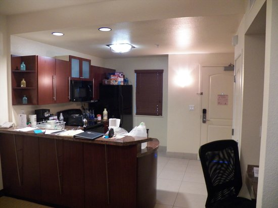 Hilton Grand Vacations Club at MarBrisa: kitchen area