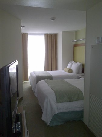 SpringHill Suites Chicago Downtown/River North:                   Double beds - not queen