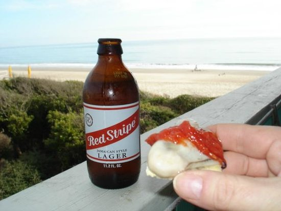 Atlantis Lodge: Oysters and Red stripe on the balcony