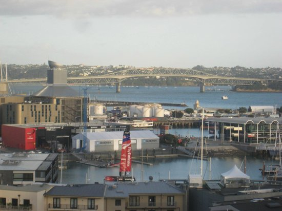 Grand Chancellor Auckland Hotel: Auckland harbor