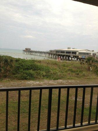La Quinta Inn & Suites Cocoa Beach Oceanfront:                   Pier
