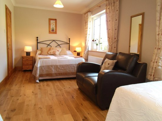 Seafield House: family guest room