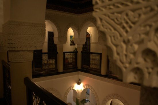 Riad Adriana: View of the first floor looking out over the atrium.