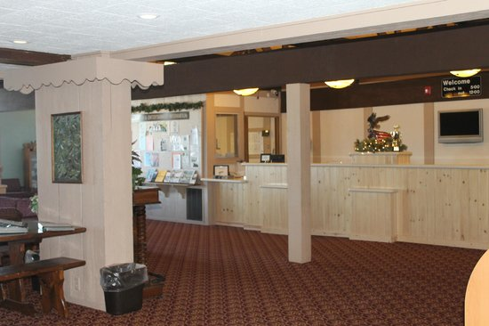 Cragun's Resort on Gull Lake:                   Main hotel lobby