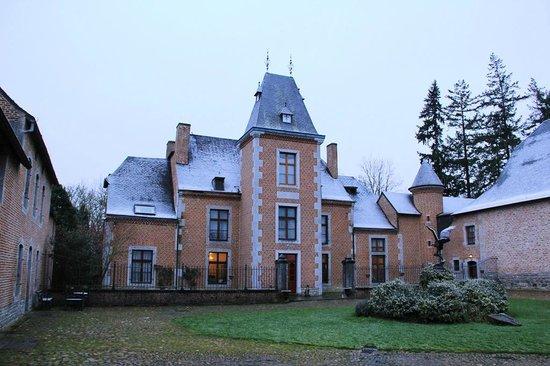 Chateau de Vignee :                   Achter-aanzicht hotel.