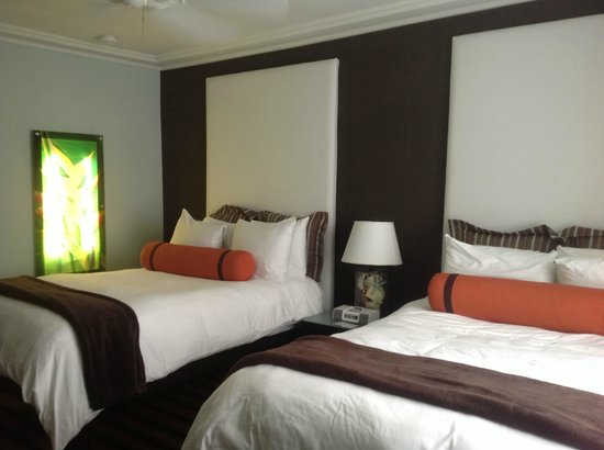 The Palms Hotel & Spa:                   Twin Room