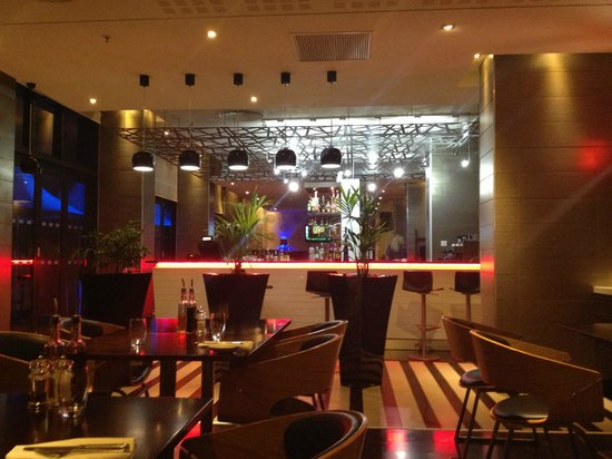 Radisson Blu Hotel, Port Elizabeth: restaurant/bar