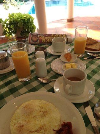 Hotel PomMarine : Breakfast Presentation