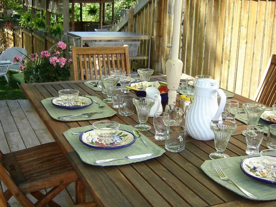 Cape House B&B: Breakfast on the verandah