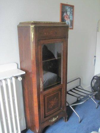 Hotel du Quai-Voltaire: small cabinet