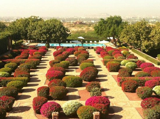 Umaid Bhawan Palace Jodhpur : hotel grounds