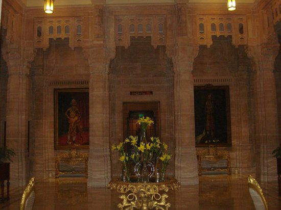 Umaid Bhawan Palace Jodhpur : inside the palace