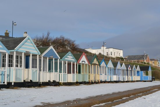 Satis House Hotel: Beach huts at Southwold