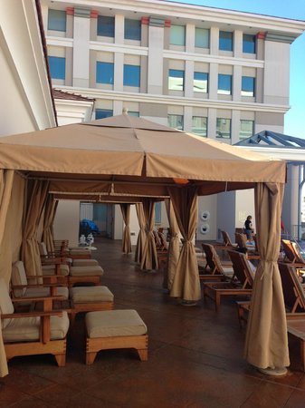The Westin Pasadena: gazebo at pool area