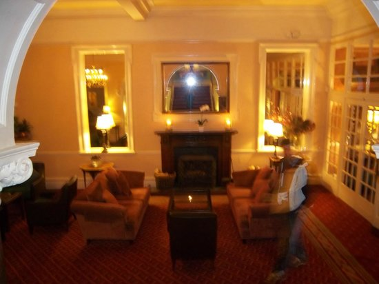 The Headland Hotel & Spa - Newquay:                   Lounge