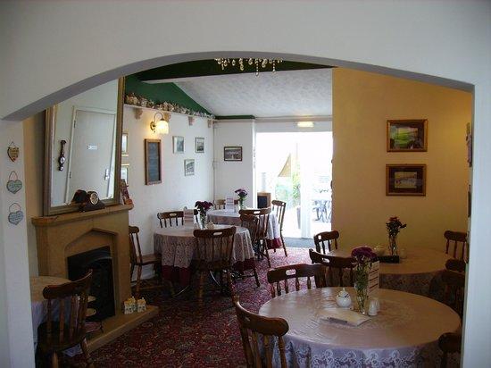 Kewstoke, UK: Inside again!