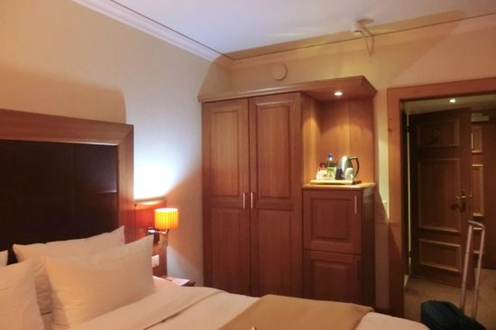 Hotel Continental Zurich - MGallery Collection:                   Room