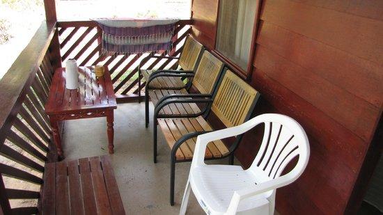 Anaula Nature Resort : Porch cabin Anaula Resort