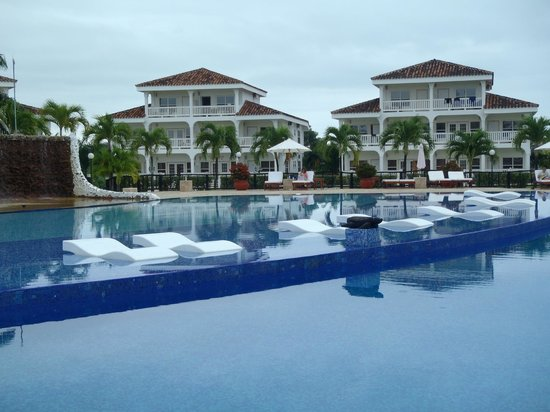 The Placencia Hotel and Residences: Rooms & Pool