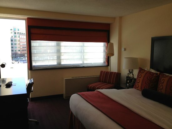 Washington Plaza:                   Room with big windows