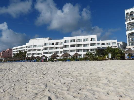 Flamingo Cancun Resort: vue de la plage