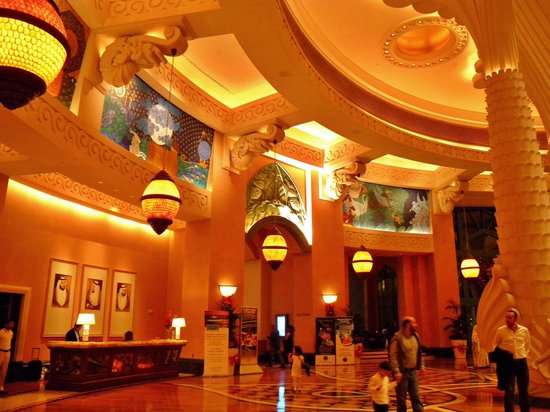 Atlantis, The Palm: Main Lounge