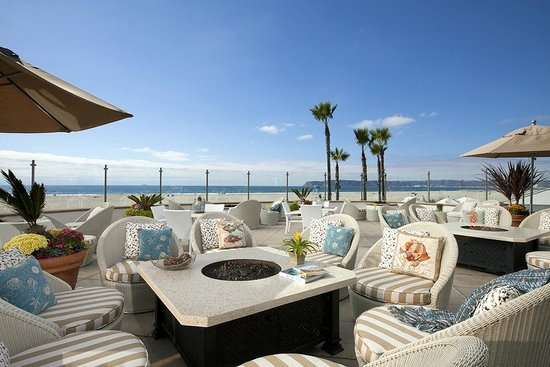 Beach Village at The Del: Windsor Cottage Patio, Beach Village's exclusive oceanfront patio for breakfast