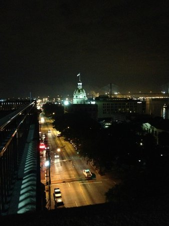 Holiday Inn Express Savannah - Historic District:                   View up Bay St. from the roof top