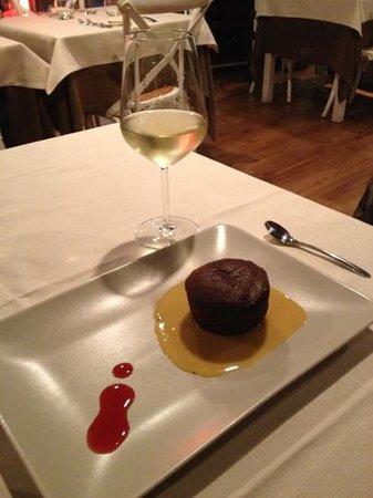 Mille800 Stazione del Gusto: tortino al cioccolato con cuore morbido e bollente di cioccolato bianco