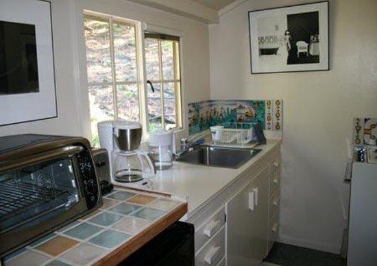 Bodie House at Wildcat Hill: Kitchen