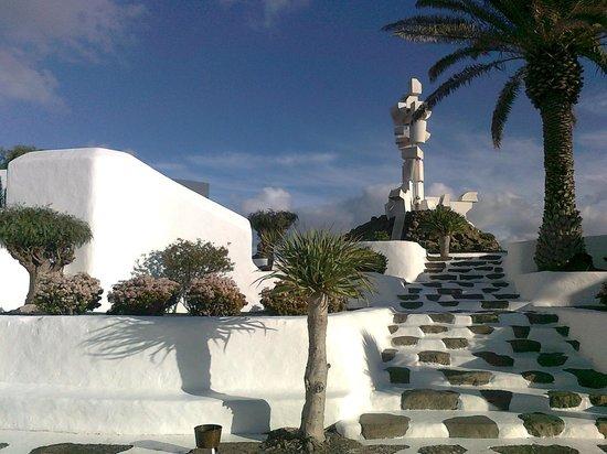 Casa Museo Monumento al Campesino :                   escaleras acceso a museo