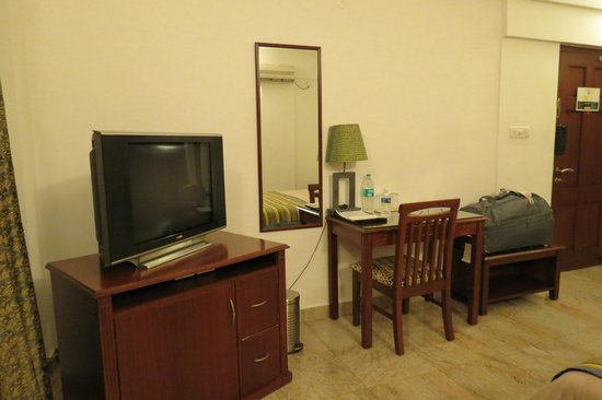 juSTa Off MG Road, Bangalore: the bedroom