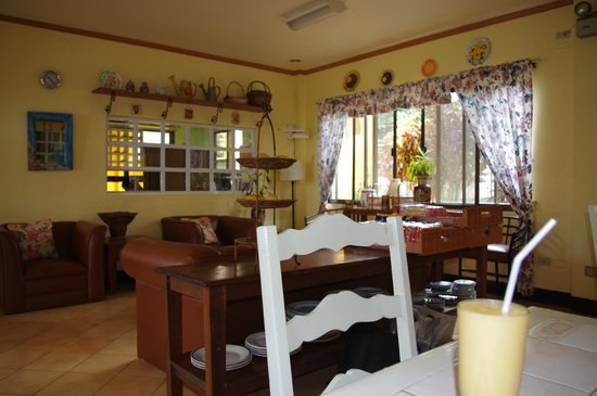 Marvin's Seaside Inn dining area