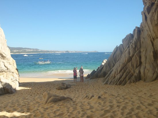 Cabo Villas Beach Resort: Lovers beach