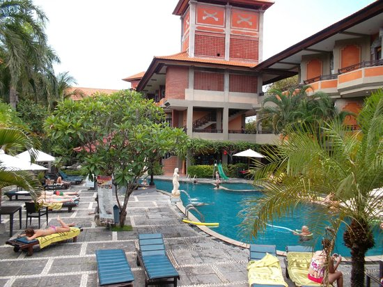 Adi Dharma Hotel:                   View of pool from reception