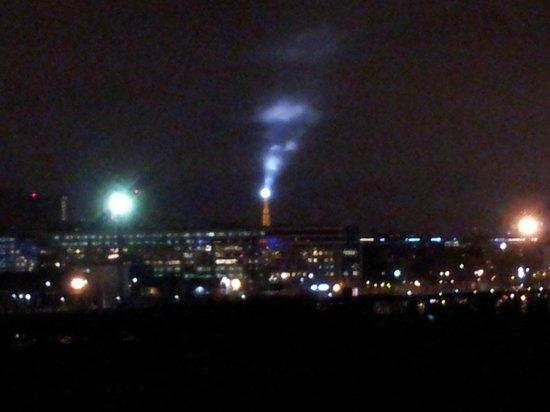 Adagio Access Paris Porte de Charenton : La Torre Eiffel vista dalla camera