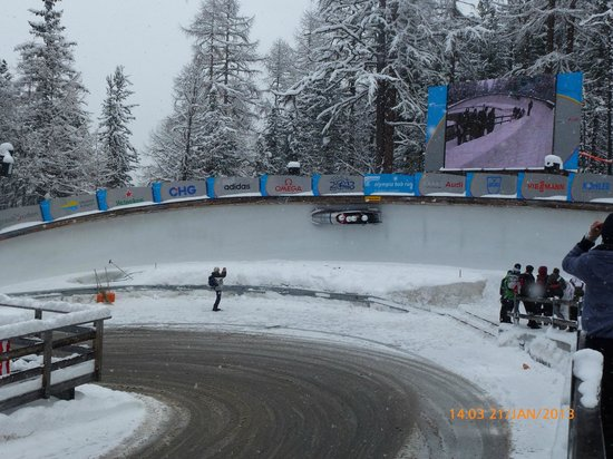 Olympia Bobrun:                                     Bobsleigh on one bend