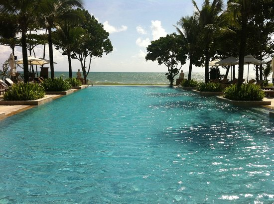 Layana Resort and Spa:                   Beachfront pool, just amazing