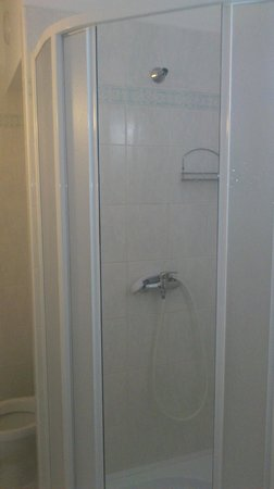 Hotel Arnost Garni: Bathroom