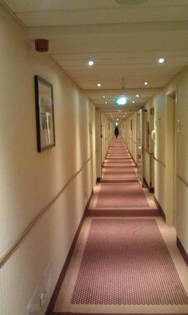 Hotel Scandic Gdansk: Faaaar away from the elevator :-)