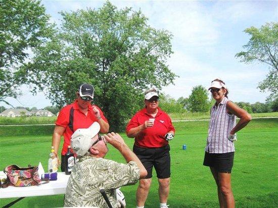 Denoon Saloon Restaurant & Bar: Serious golfing